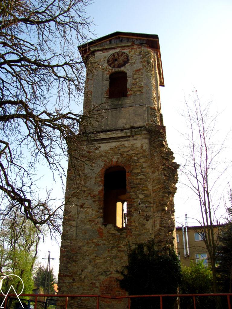 Mrowiny - Wieża dawnego kościoła ewangelickiego.